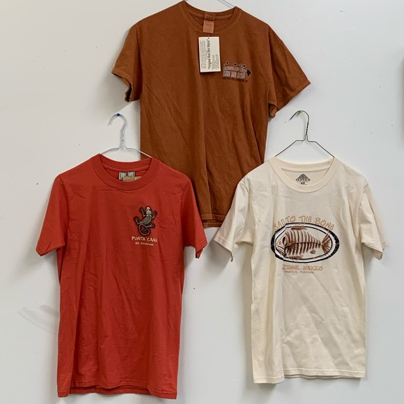 Other - Bundle of 3 Vacation T-Shirts Size S & M